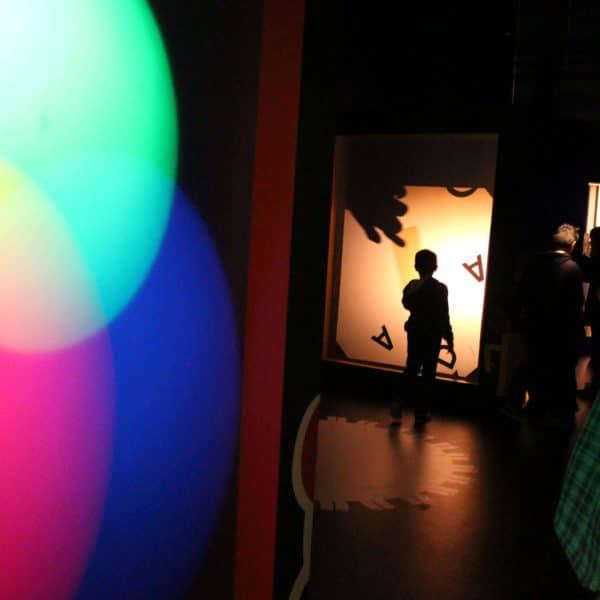 Exposition Lumière avec silhouette enfant