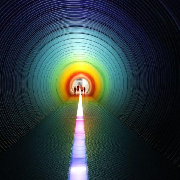 Tunnel arc-en-ciel dans le Passage des enfants