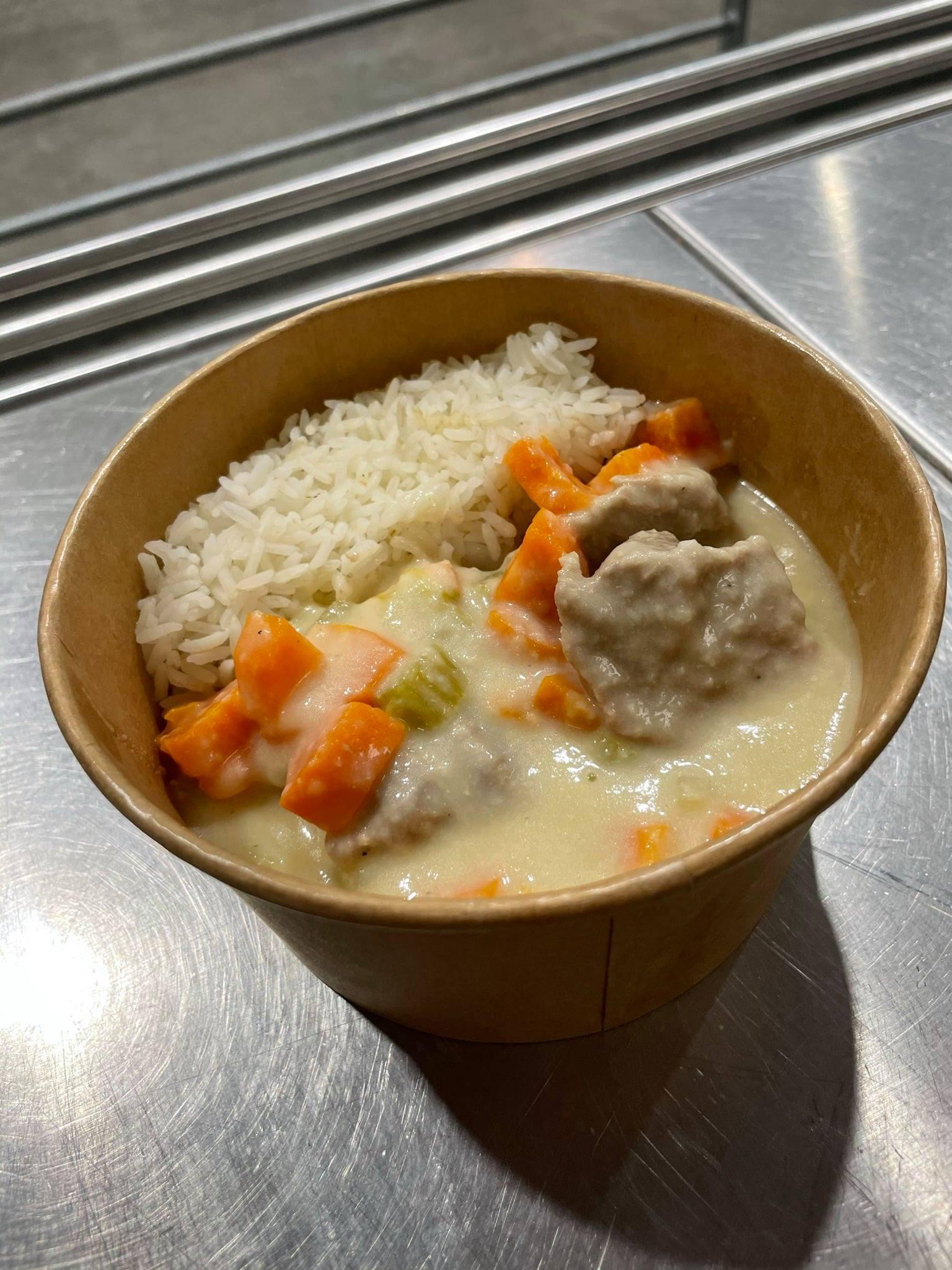Sauté de veau avec riz : plat du Café