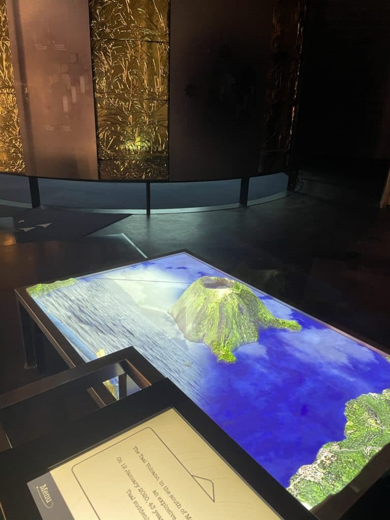 Volcan maquette interactive en videomapping